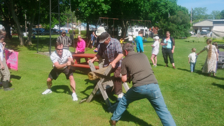 Law sawing competition at Edison Fest
